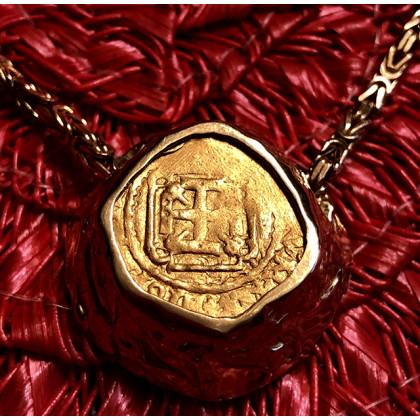 1715 Fleet Gold One Escudo in 18K Gold Bezel